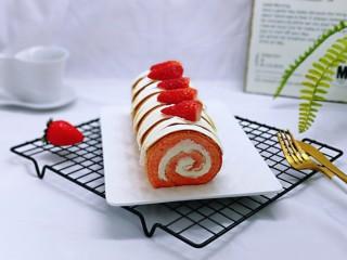 红丝绒草莓奶油蛋糕卷~下午茶必备甜品