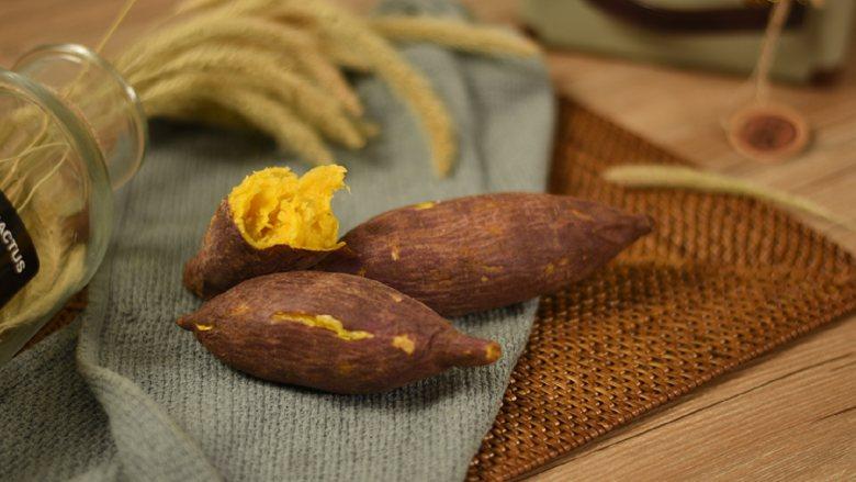 微波炉烤红薯,香喷喷热烘烘的烤红薯,冬天怎么没有它