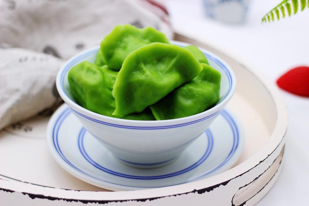 翠玉猪肉韭菜饺子,嘻嘻,老公一口气干掉20个。</p> <p>