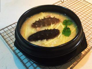 元气早餐  砂锅海参小米粥,砂锅海参小米粥做好了
