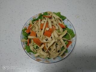 凉拌豆腐皮生菜