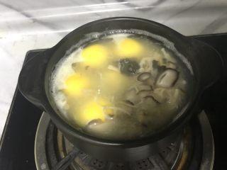汤圆这样吃更营养,煮的时候一定要搅拌下防止粘锅。