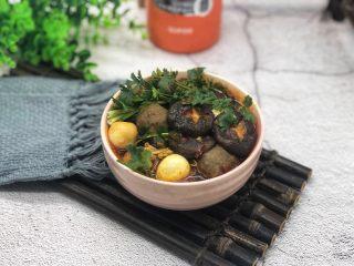 一人食简便火锅,用焖烧罐做火锅,制作简单,辣味十足,真的很方便,也很好吃。