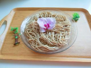 新文美食  张家口特色美食 莜面条,成品图