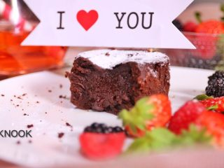 浓醇黑巧克力流心蛋糕,完成