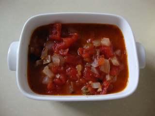 西西里肉丸意面,把熬好的酱汁浇在肉丸子上,把肉丸全部盖住为佳