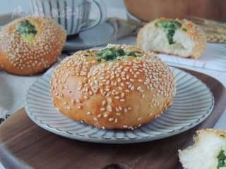 芝麻葱花面包, 成品