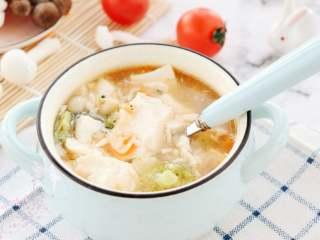 菌菇豆腐羹,里面的配料自己想怎么搭配都可以呢,家里有什么食材都可以搭,怎么搭都好吃~