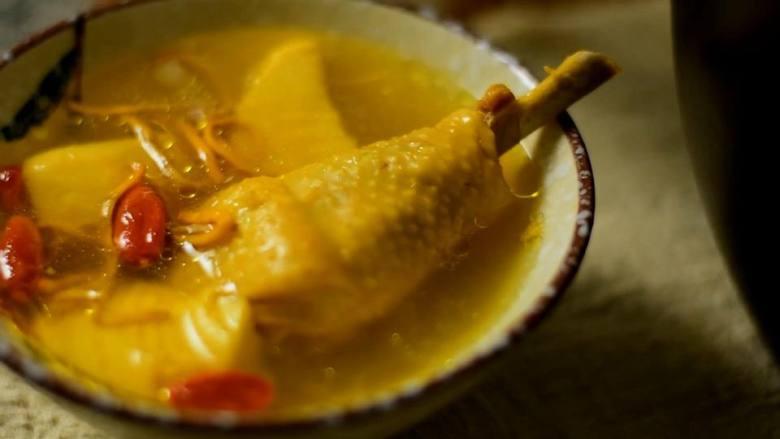 营养美味,简单易上手的虫草花冬笋草鸡汤