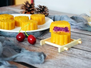 紫薯南瓜糯米糕,香甜软糯,味道很棒哦!