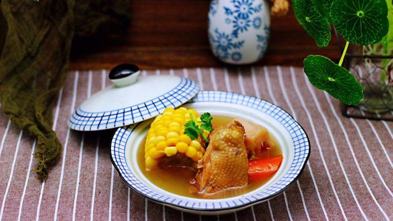 土鸡炖玉米甜藕汤