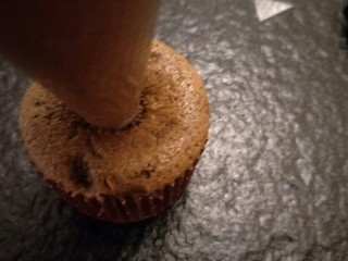 """最""""柔软""""纸杯蛋糕☕—爆浆巧克力,裱花袋挤入。奶油。"""