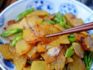 土豆肉片,好吃又下饭的肉片土豆出锅了。