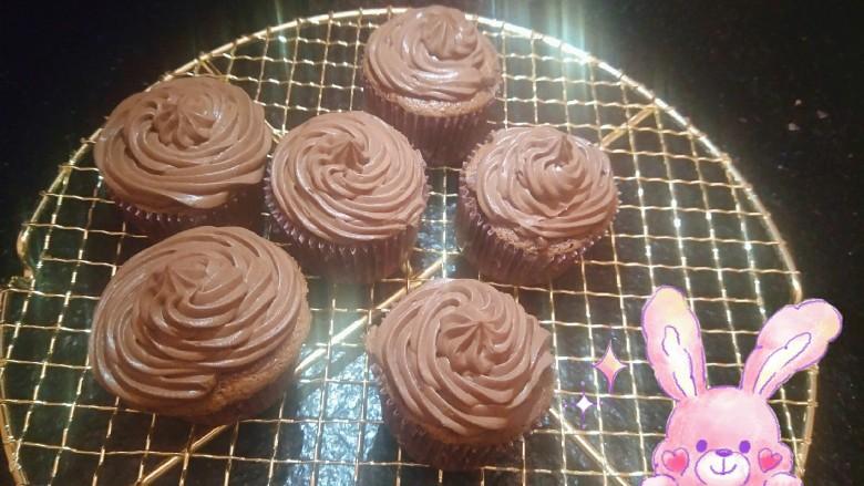 """最""""柔软""""纸杯蛋糕☕—爆浆巧克力"""