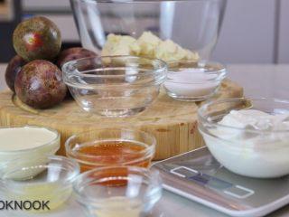 百香果蜂蜜酸奶慕斯,食材准备