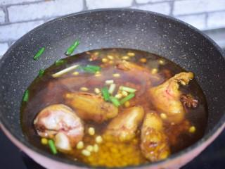 #猪年#黄豆焖猪蹄,加入适量水