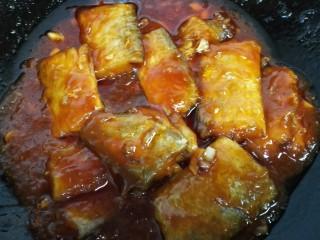 #年年有鱼#茄汁带鱼,等汁收干入味即可出锅