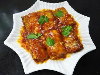 #年年有鱼#茄汁带鱼,装盘放上香菜点缀