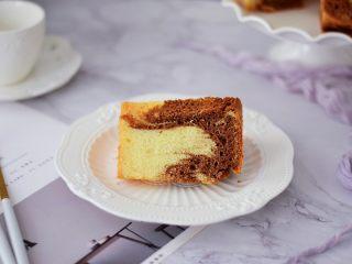 7寸中空双色戚风蛋糕