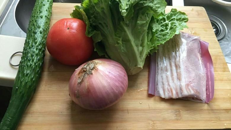 布里欧修黄油汉堡包🍔,准备一点你喜欢吃的各种蔬菜,肉