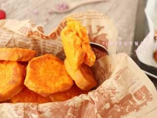 香烤红薯 ,光看颜色,口水就止不住了,哎呀,满屋子的烤红薯味,赶紧去吃~