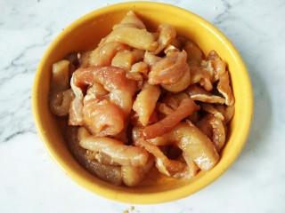 #猪年#番茄浓汤炸肉,抓匀腌制至少20分钟
