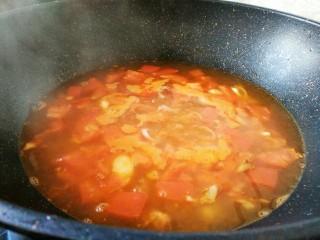 #猪年#番茄浓汤炸肉,加开水煮开如图