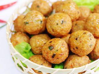 香炸肉丸子,直接食用或做汤涮火锅煮面条都也是非常不错的选择。