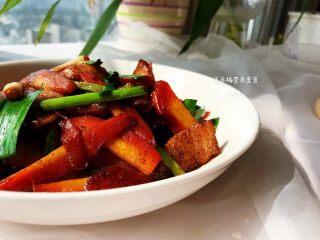 #猪五花肉#胡萝卜回锅肉,成品。