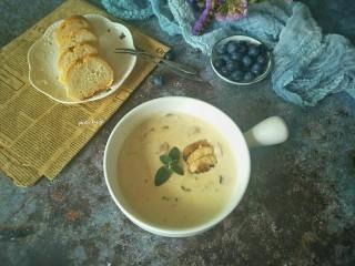 鸡胸丝蘑菇浓汤,成品