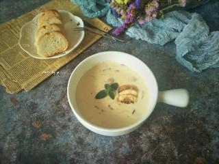 鸡胸丝蘑菇浓汤