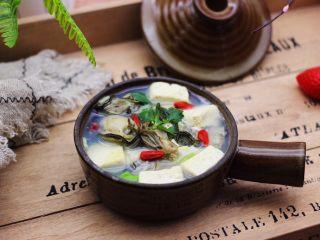 海蛎子豆腐汤,成品一