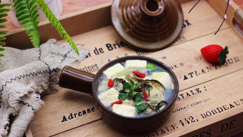 海蛎子豆腐汤