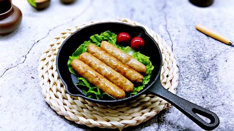 自制蒜香脆皮肠,美美的开吃吧!健康又卫生。