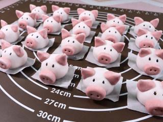 小猪汤圆 元宵节孩子最爱,其他的小猪冷冻起来保存。