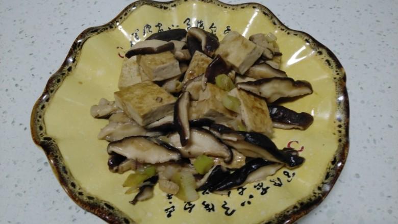 豆腐炒香菇