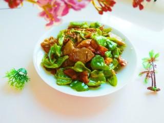 北京特色菜  绿豆噶着