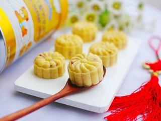 香甜细腻的奶香蔓越莓绿豆糕,味道棒棒哒。