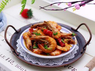 补钙又抗衰老的辣爆海虾,鲜美无比又爽辣可口的爆海虾就出锅咯。