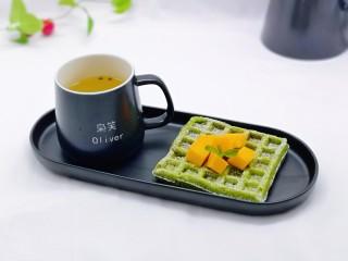 快手早餐~菠菜华夫饼,搭配一杯百香果,做下午茶也极好哒。