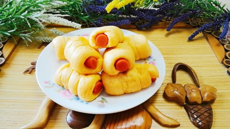胡萝卜香肠卷