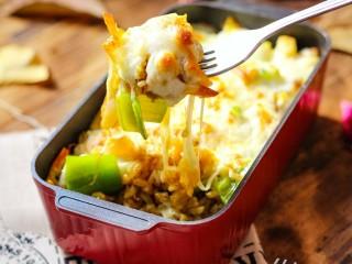 什锦咖喱焗饭,一勺子下去又有肉又有菜,真是太香啦!