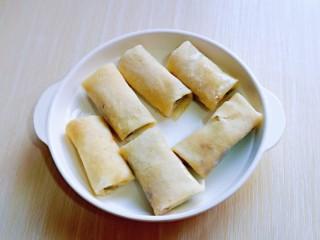 快手早餐~少油版香煎肉松春卷,依次做完,量可以根据个人胃口增减。