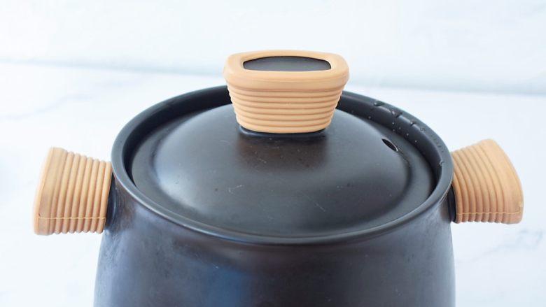 椰子鸡汤,大火烧开转小火炖煮40分钟