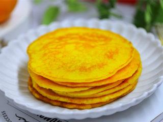 香橙煎饼,出锅装盘。