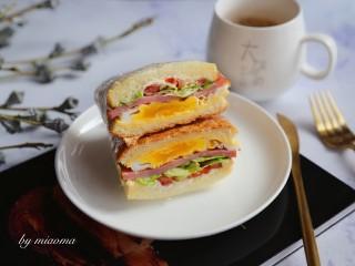 三明治~快手早餐,来杯牛奶,一顿美味又营养的早餐做好了。