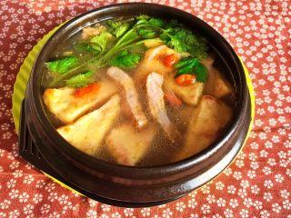 牛柳炖豆泡,牛柳炖豆泡味美汤鲜,牛柳嫩滑多汁,豆泡吸足了汤汁的味道,营养丰富,非常独特~