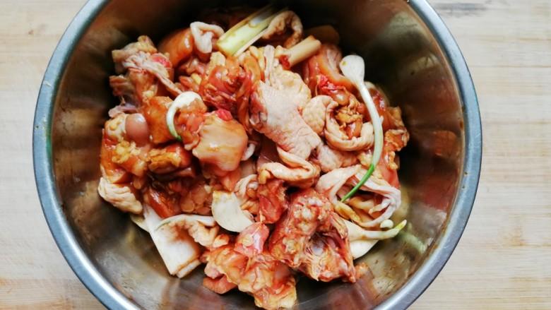 大盘鸡,拌匀腌制半小时
