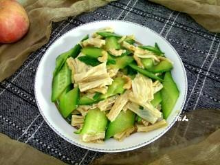 海米腐竹炒黄瓜,成品图