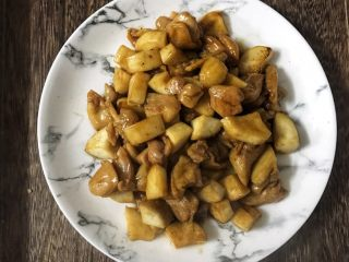 蚝油杏鲍菇鸡腿丁,味道超级鲜哈